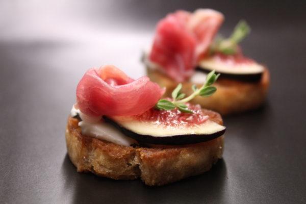 Dolce late, Parma ham & fig bruchetta